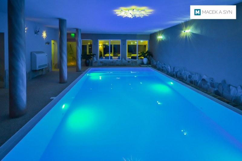 Schwimmbecken 4,3 x 10 x 1,4m, Wellness Hotel Auszeit, Achslach, Niederbayern, Deustchland, Realisierung 2017